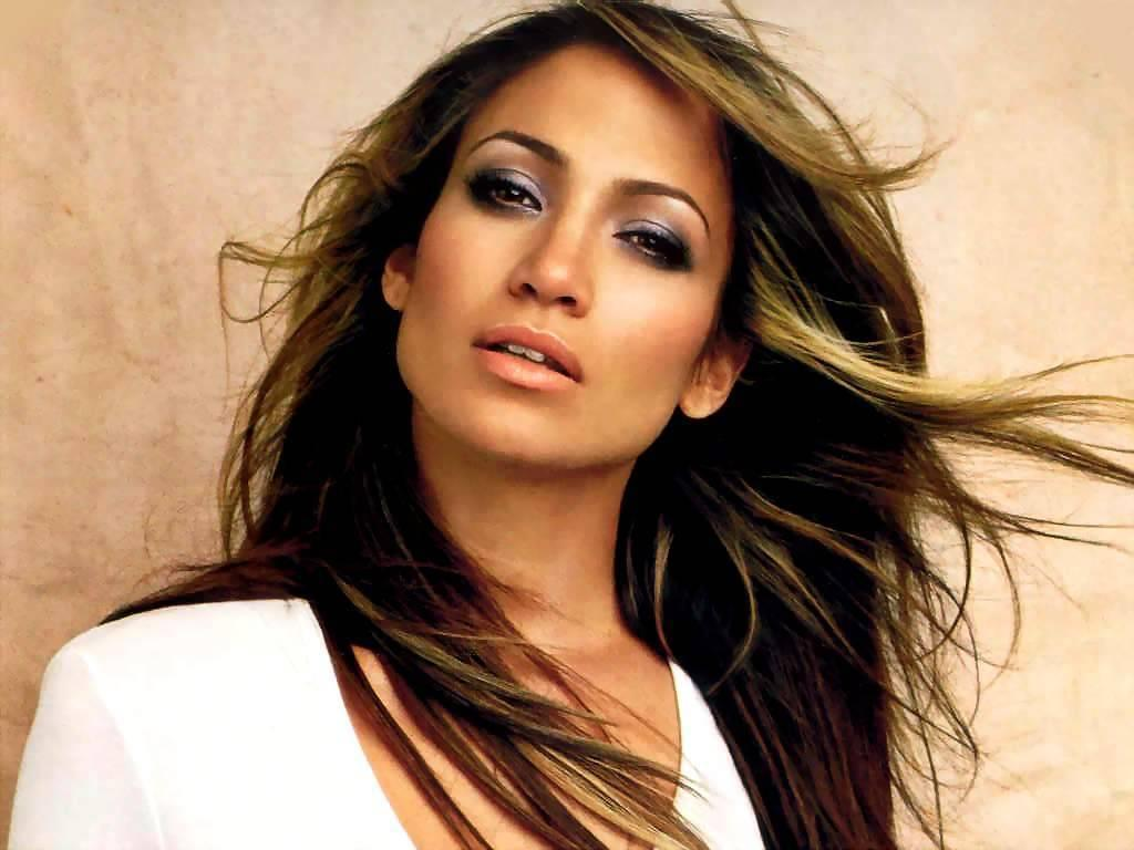 Celebrity Ride: J-Lo & Fiat