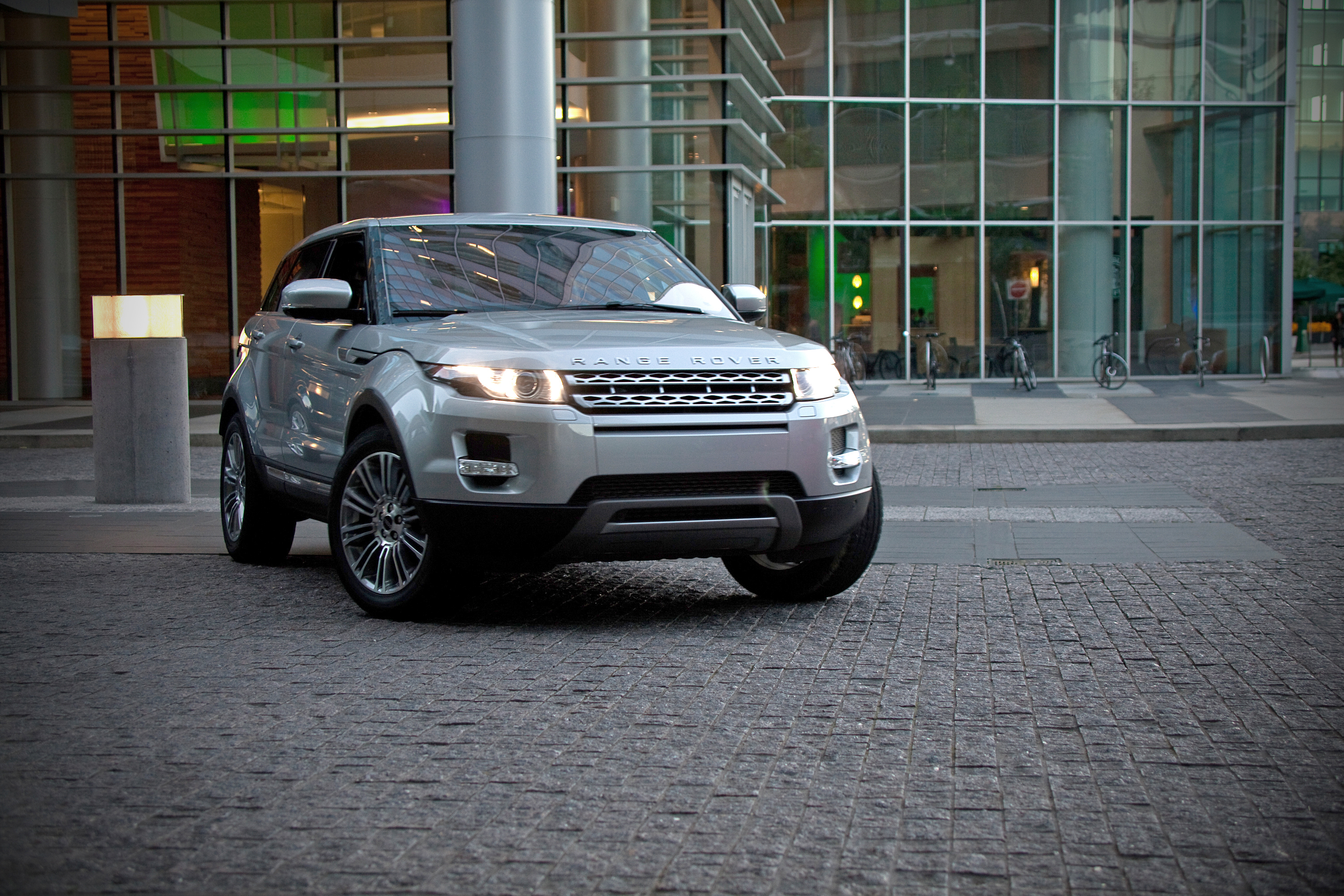 SNAPPED: Range Rover Evoque Gets Gangsta
